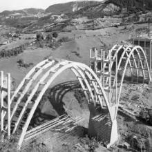 1956: posa della prima pietra dell'Autostrada del Sole e apertura Hotel Ilaria