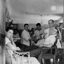 1945 - Otello e Mario impegnati nella loro attività