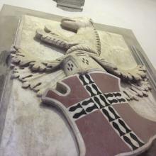 Dettaglio dello stemma della famiglia Guinigi