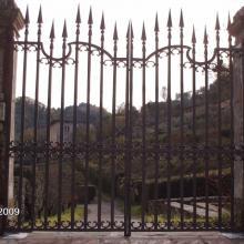 Antico cancello di villa restaurato