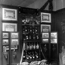 Terza biennale campionaria: stand della Tenuta di Forci dei conti Giustiniani - 1926 Cortile degli Svizzeri