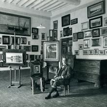 Il Conte Vincenzo Giustiniani al centro della sua famosa collezione di pittori Macchiaioli