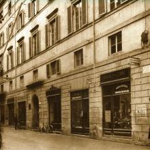 Panoramica di Via Vittorio Veneto e Ditta Ottica Bianchi - 1920 circa