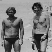 Giorgio Gaber con lo storico bagnino Roberto Galleto presso il Bagno Nettuno