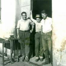 Felice e due operai (da destra)