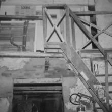 Interno vecchio laboratorio - particolare della scala