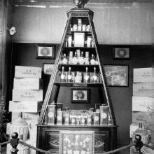 Espositore dei prodotti Salov anni '30